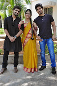 kundanapu bomma star cast photos-thumbnail-4