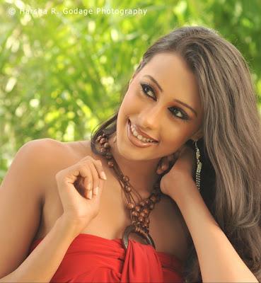 Miss Sri  Lanka 2011 Chamupa Godage