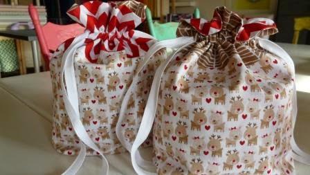 http://3.bp.blogspot.com/-x2Y8OFgsvUw/VH3tH11gk9I/AAAAAAAAAjU/ThzVrUdBOy4/s1600/reindeer-drawstring-bags.jpg