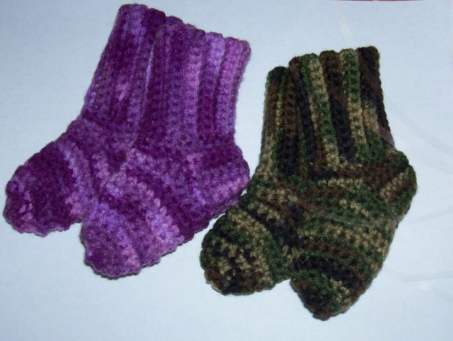 Crochet Socks Pattern For Babies : Sues Free Patterns: CROCHETED BABY SOCKS (Worsted Weight)