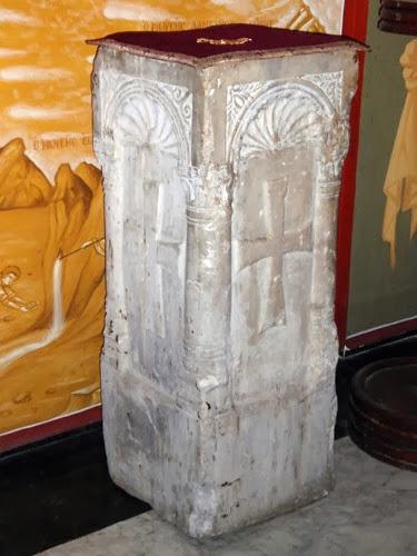 Η κολώνα όπου κατά την παράδοση αποκεφαλίσθηκε η αλεξανδρινή Μεγαλομάρτυς Αγία Αικατερίνη. http://leipsanothiki.blogspot.be/