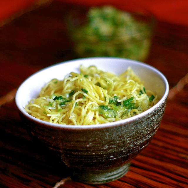 The Yum Yum Factor: Scallion Ginger Noodles for Chinese New Year
