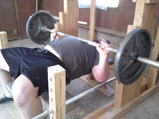 Ruso muere en competición por caída de pesa de 185 kilos IMG_20110826_115106