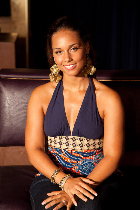 Alicia Keys In African Attire