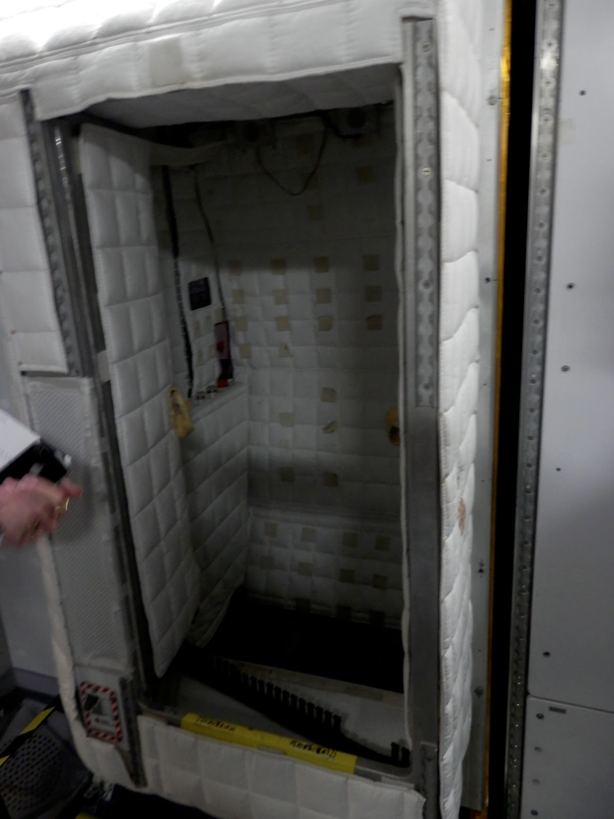 astronauts sleeping compartment - photo #25