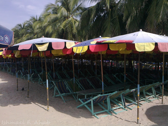 Umbrellas and charis for rent in Bang Saen Beach
