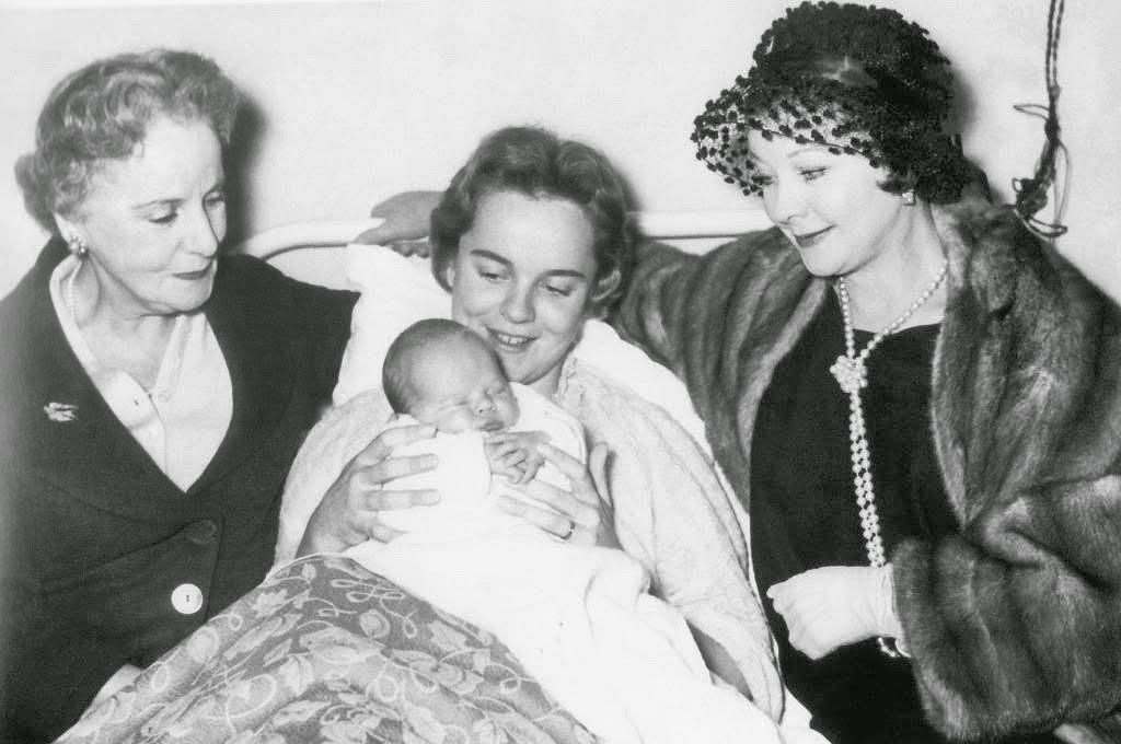 Avengers In Time 1967 Deaths British Actress Vivien