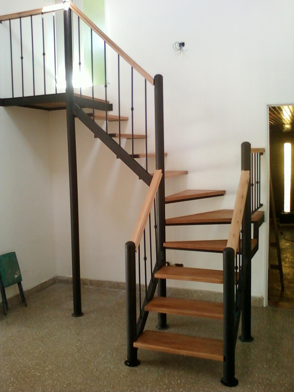 Rodr guez e hijo herrer a y carpinter a de obra for Fotos de escaleras de herreria