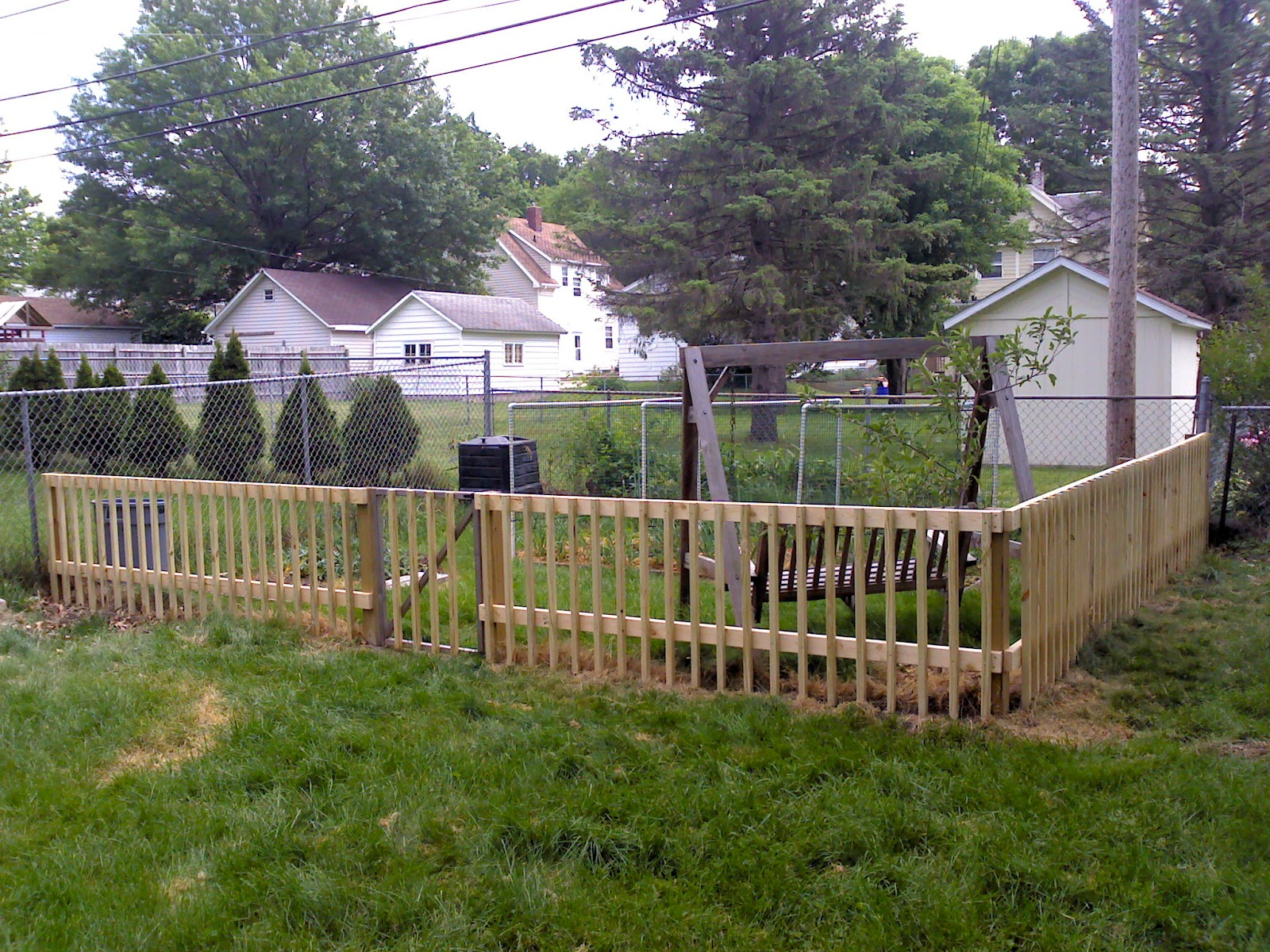 Homemade electric dog fence for Homemade fence ideas