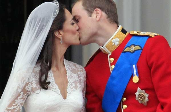 prince william kate middleton kiss. prince william kate middleton