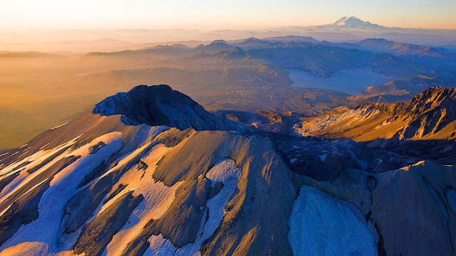 Mount Saint Helens, Washington (© Diane Cook and Len Jenshel/Getty Images) 593