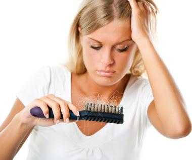 Resultado de imagem para perdendo o cabelo