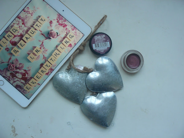£4.99 Mac cranberry eye shadow dupe.