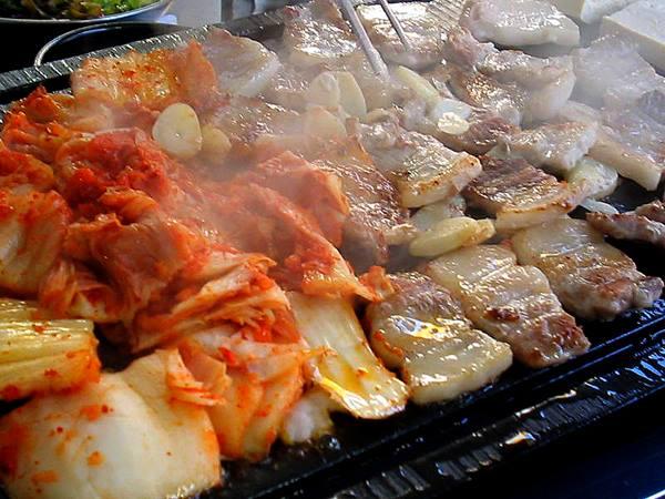 Thịt Ba Rọi Nướng Với Kim Chi tại Nhà hàng Hàn Quốc Thủ Đức Suraon