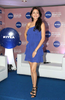 Anushka sharam Hot In Blue Short Skirt Pictures