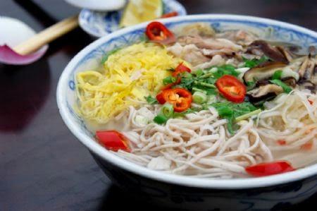 Hanoi Chicken Vermicelli Soup (Bún Thang)