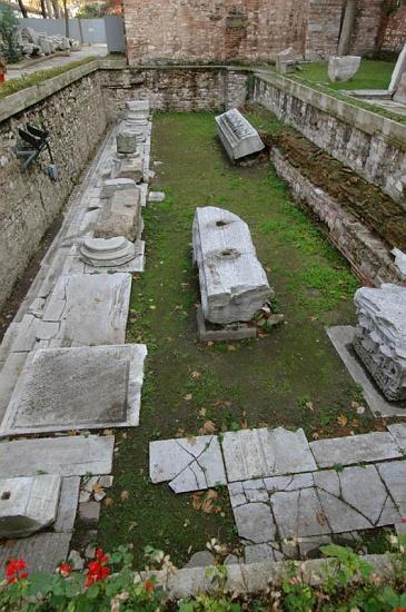propylaeum c osseman أيـا صوفيا كنيسة ثم مسجد واخيرا متحف ! بالفيديوا و الصور