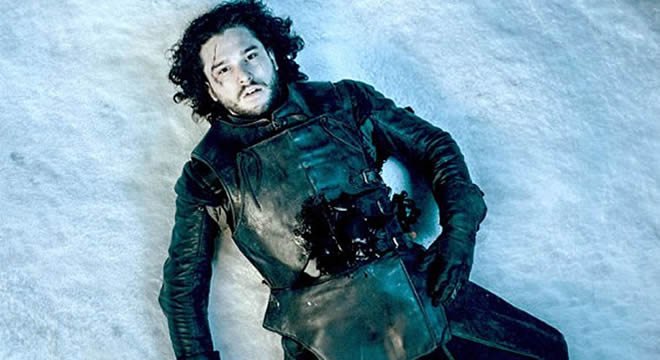 Jon Snow muere al final de la 5ª temporada