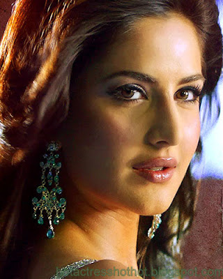 katrina kaif hot pics and spicy looks