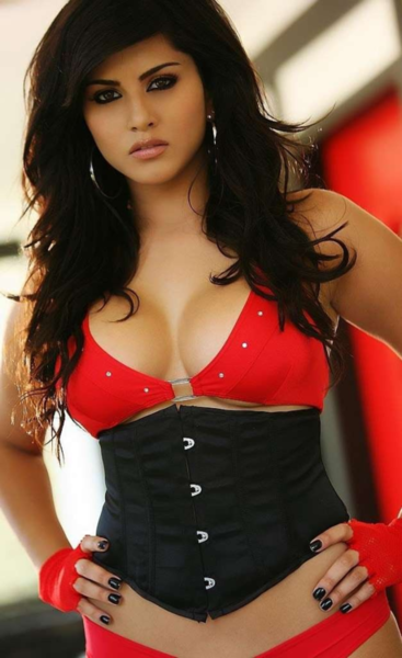 Sunny+Leone+beautiful+-+BollywoodGo+(1)