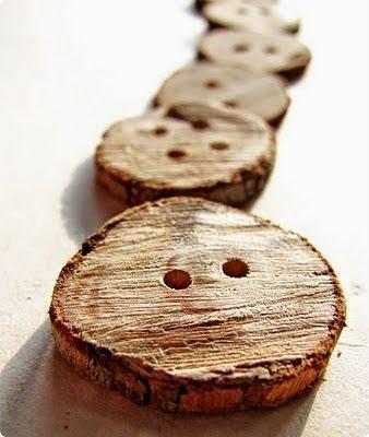 Ξύλινα κουμπιά φτιαγμένα από κλαδιά δέντρων