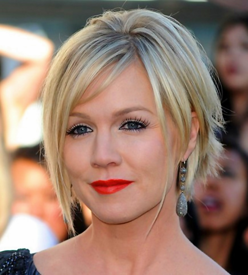 Short Hairstyles with Side Swept Bangs