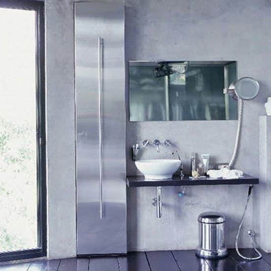 Desain interior kamar mandi Ungu