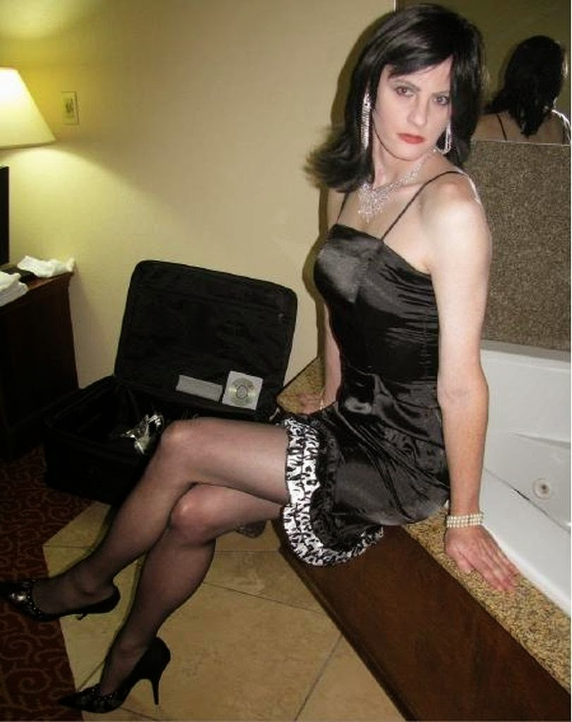 paradise achern crossdresser in nylons