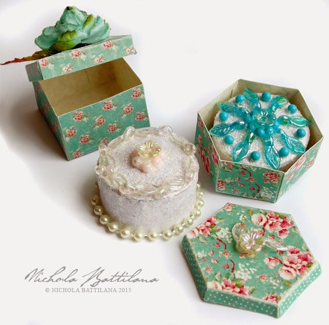 Miniature cake boxes and paper & bead cakes - Nichola Battilana