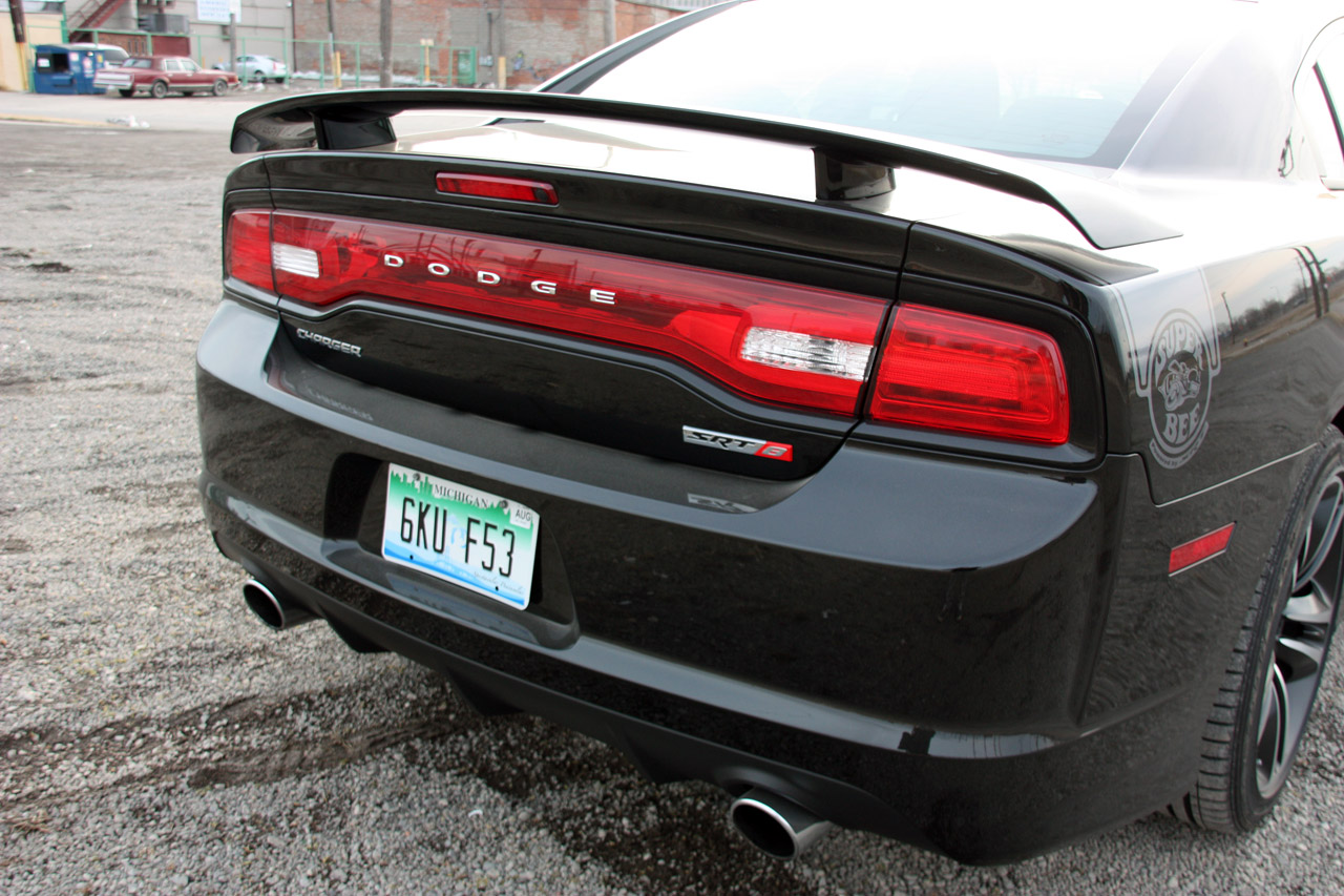 automotiveblogz 2013 dodge charger srt8 super bee quick spin. Cars Review. Best American Auto & Cars Review