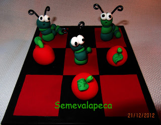 gusanos y manzanas