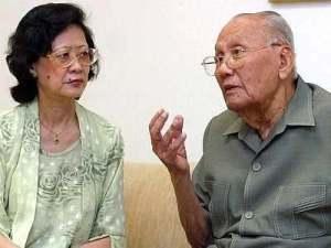 Pak Khir Johari bersama Christine Lim