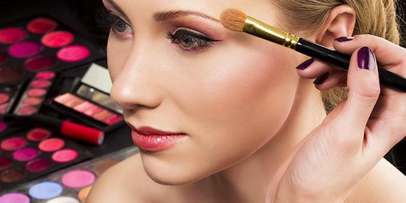 Perhatikan 4 Hal Jika Ingin Make Up Tahan Lama