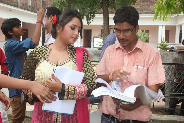 Rani chatterjee Shooting of  Bhojpuri Movie Rani Ki Hukumat Wallpaper