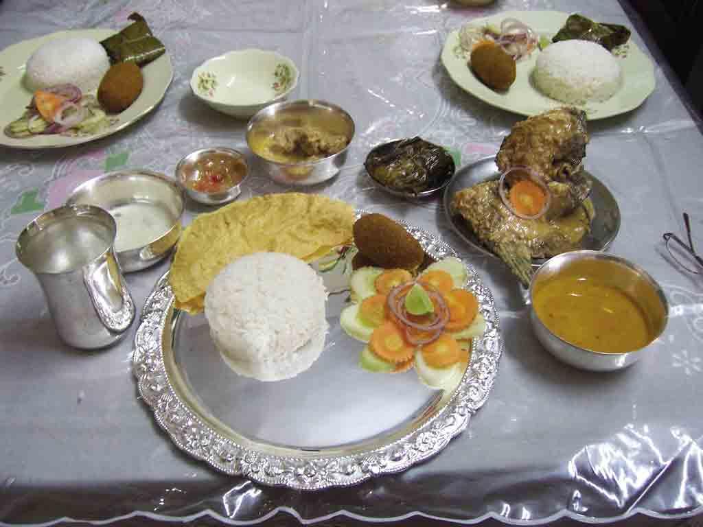 http://3.bp.blogspot.com/-x6SaGOrwoIM/TXZnCRZRe-I/AAAAAAAABbU/5igngN8xkkM/s1600/Bengali%252BFood.jpg