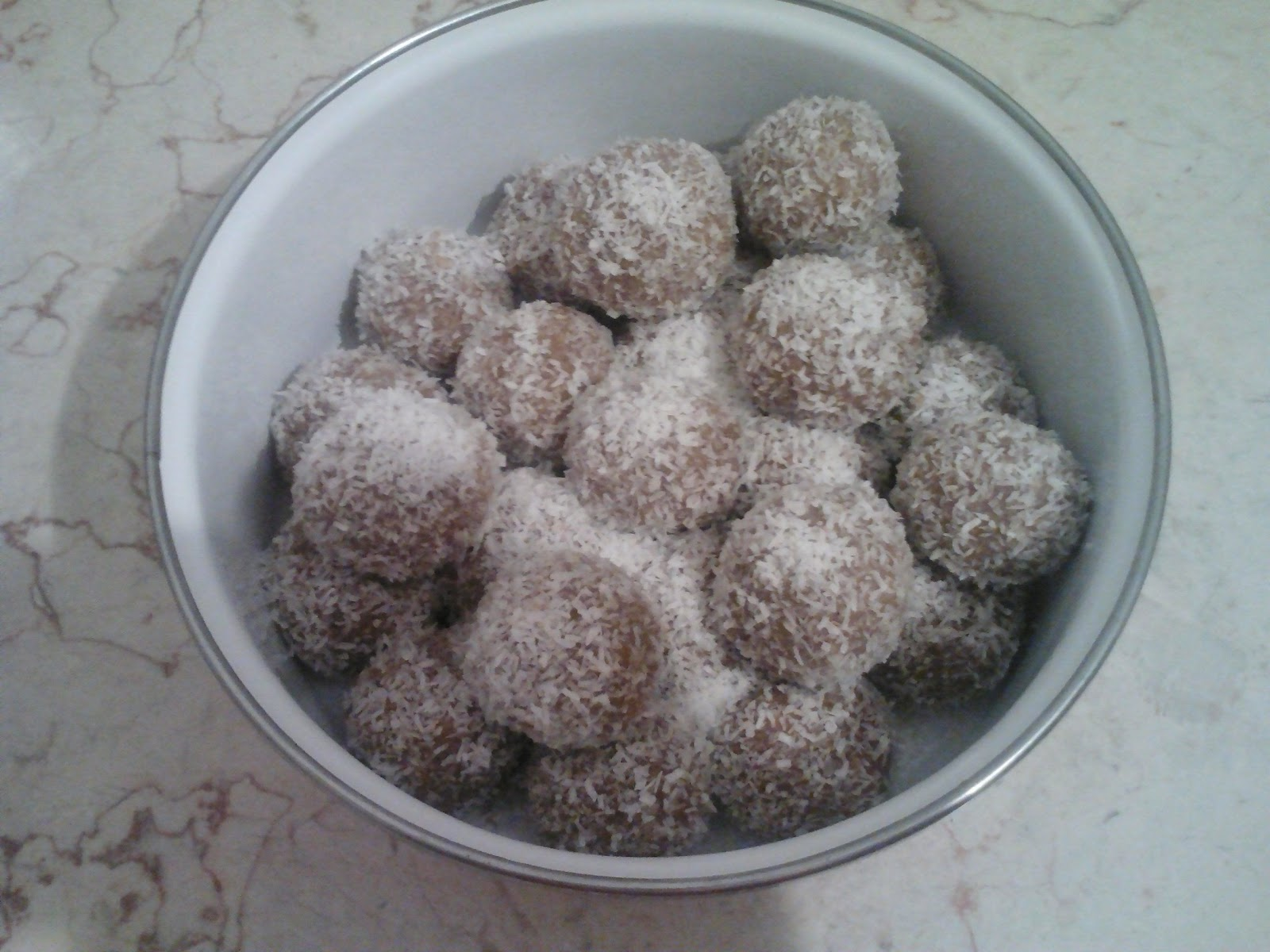 vegan tahina and  peanut butter balls