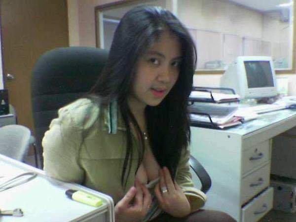 cerita dewasa pegawai kantor yang hot