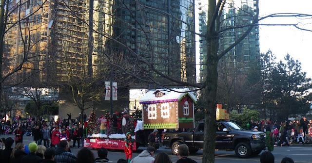 Santa Claus Parade, Vancouver, 2011, Gingerbread lane