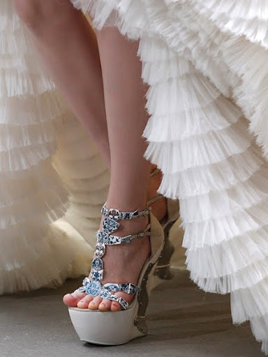 екстравагантни обувки Alexander McQueen