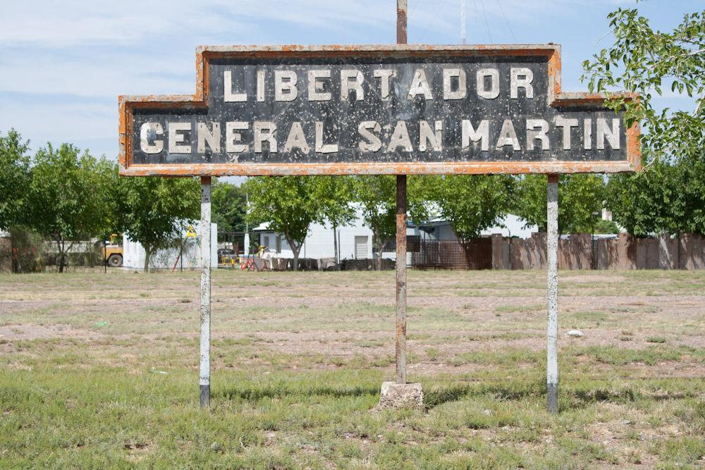 Libertador General San Ma Argentina  city pictures gallery : Libertador General San Martín es una estación ferroviaria ubicada en ...