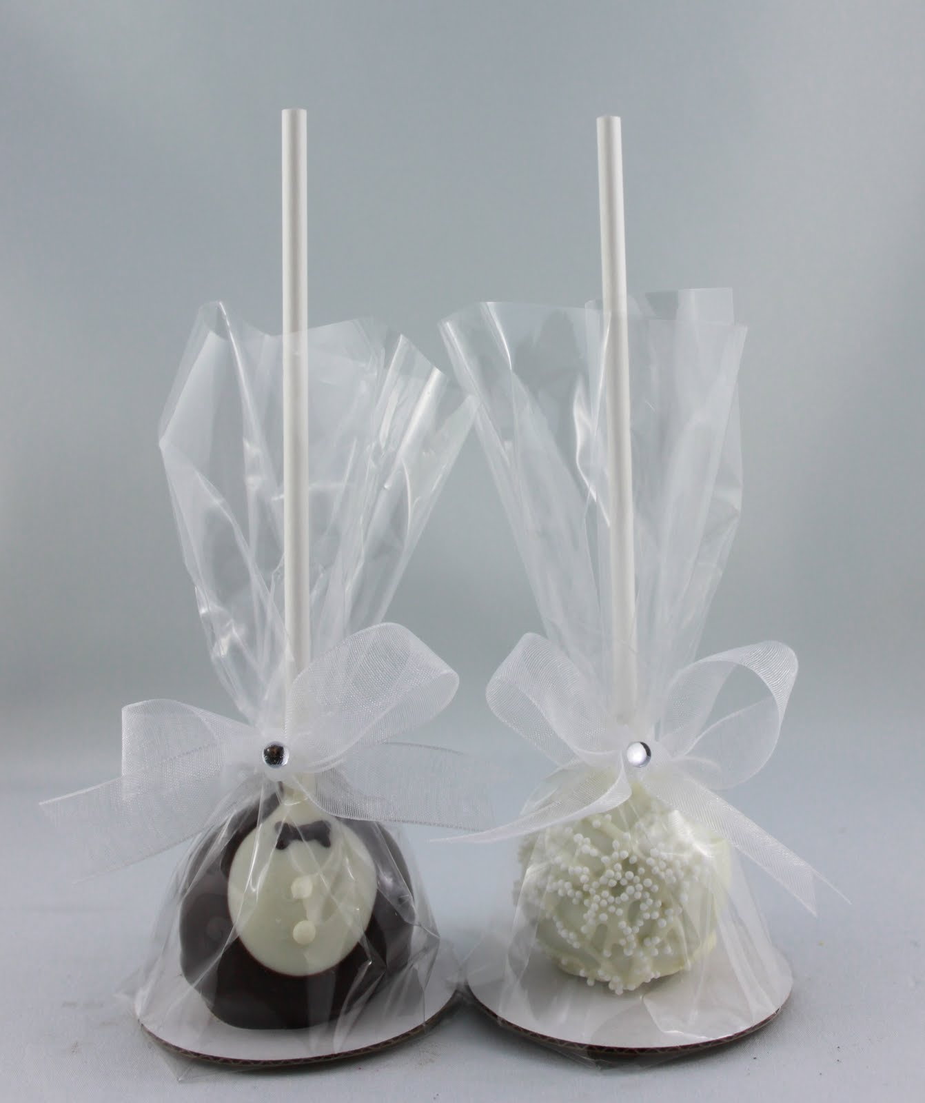 The Cake Bomb ~ Cake Pops For All Occasions: Wedding Cake Pops