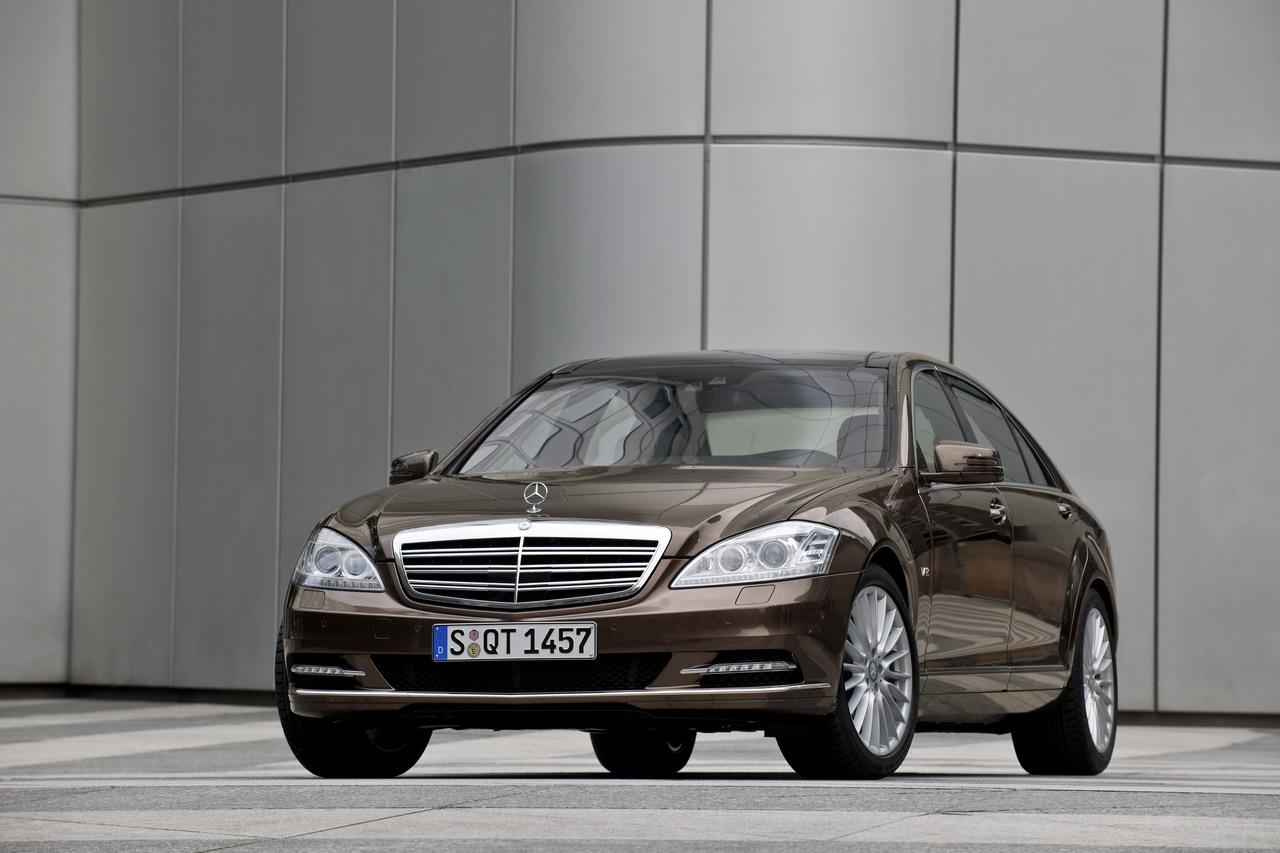 http://3.bp.blogspot.com/-x7kT0ThEX0c/TZmJ8bcatdI/AAAAAAAAygw/r2RETAC6r7Q/s1600/2009-Mercedes-Benz-S-Class.jpg