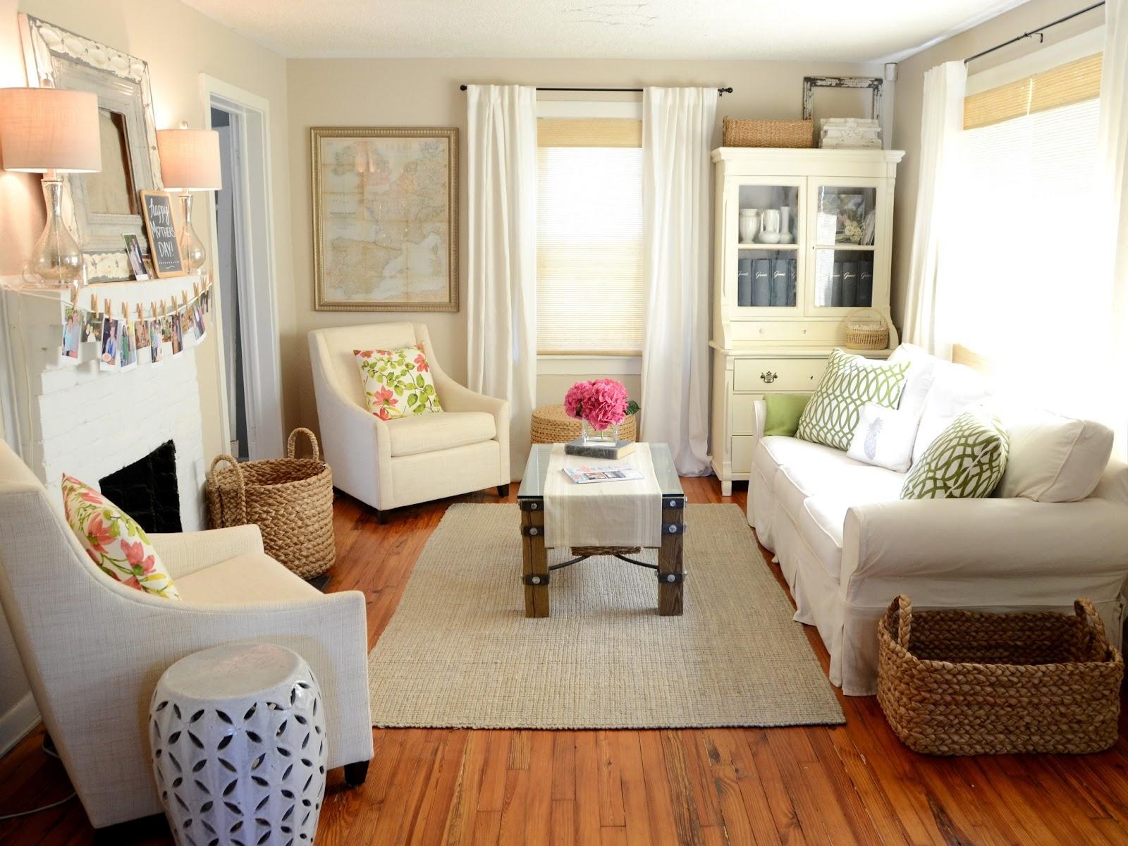 Iron twine living room update for Decoracion de casas de 7 metros