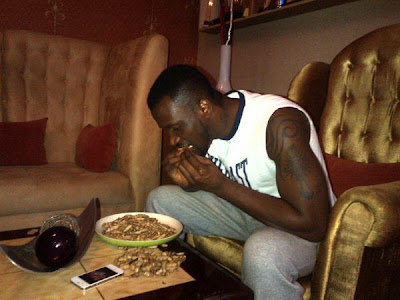 peter okoye psquare eating groundnuts