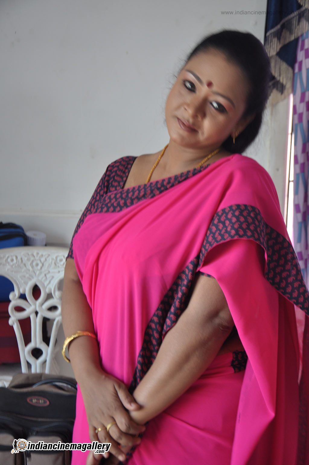 Woman. love mallu aunty hot images
