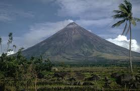 Philippine beautiful landforms it is also well known around the world for having a nearly perfect cone mayon volcano is in legaspi albay sciox Image collections