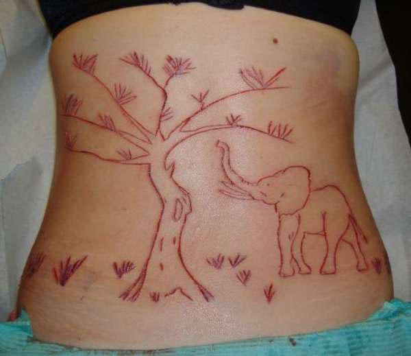 scarification4 ΣΟΚΑΡΙΣΤΙΚΕΣ ΦΩΤΟΓΡΑΦΙΕΣ: Το τατουάζ του τρόμου λέγεται «scarification»