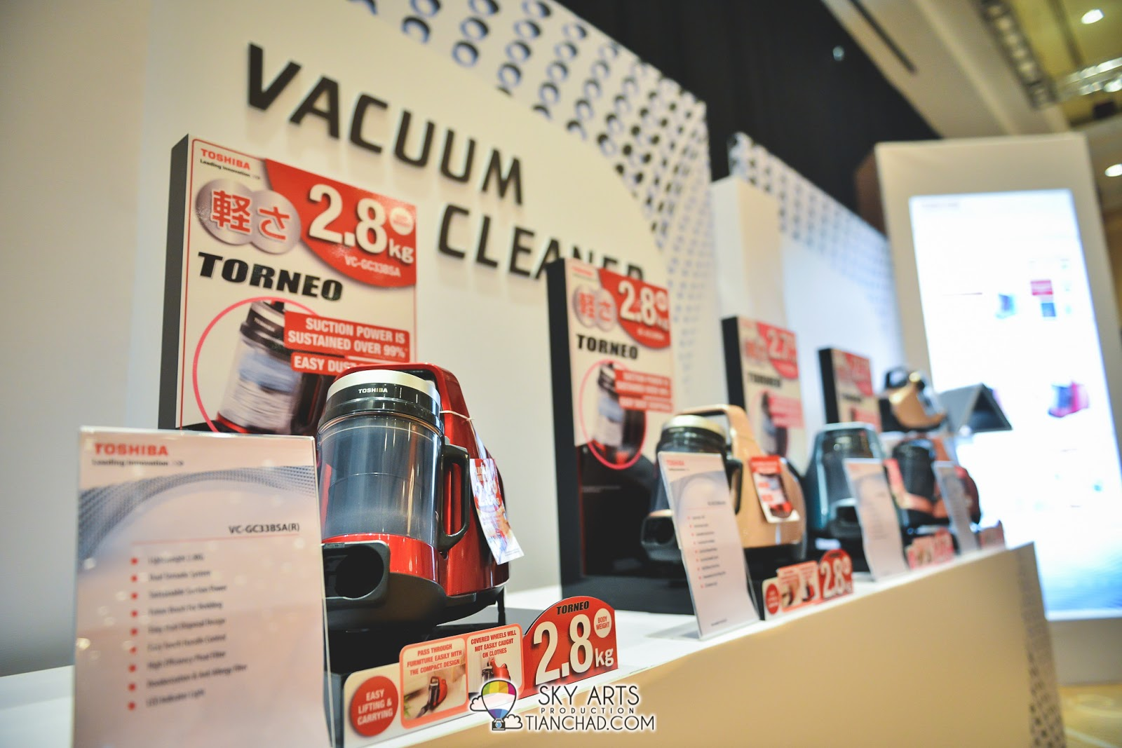 Toshiba New Torneo Vacuum Cleaner - Lightweight wonder (2.8kg) with Ultra Hygienic cleaning performance