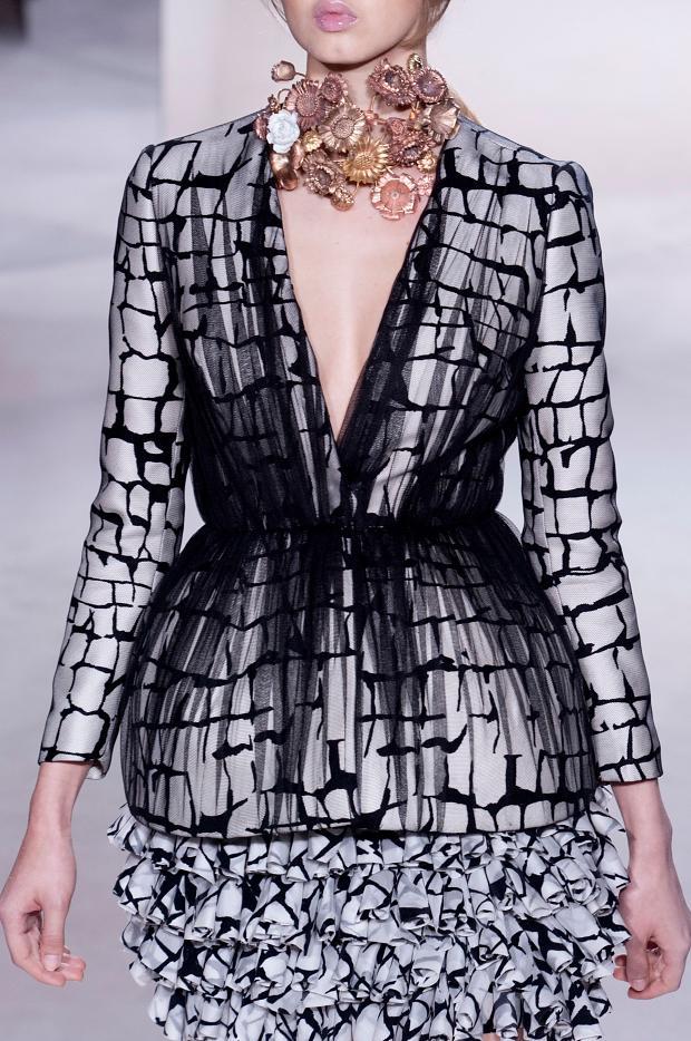 Fashion runway giambattista valli spring 2013 haute for Haute couture details