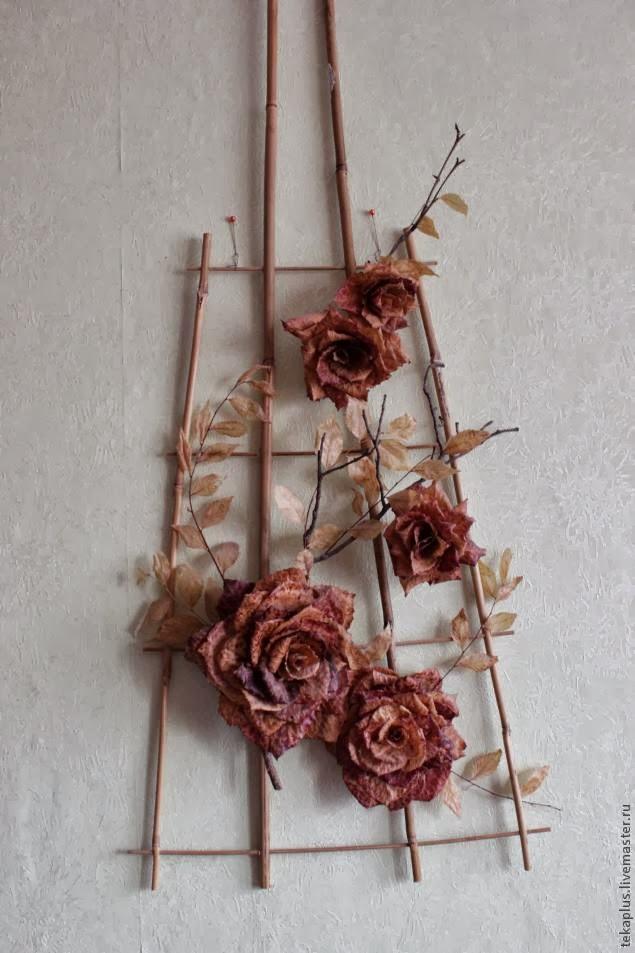 Осенняя роза из осиновых листьев